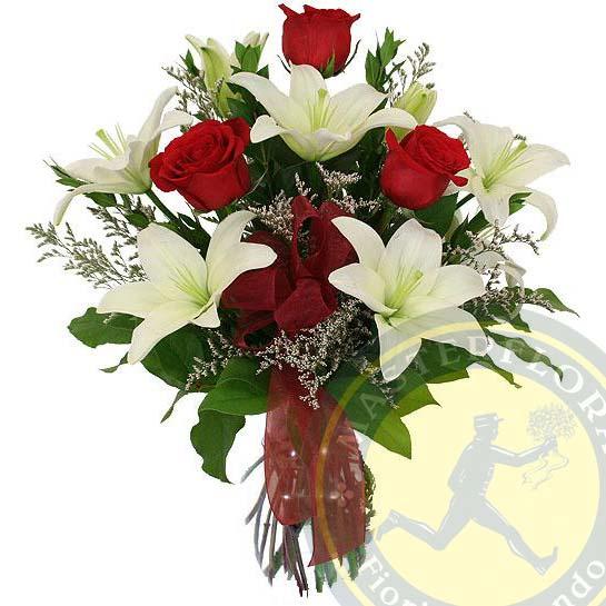 Auguri di Natale (Mazzo con fiori bianchi e rossi)