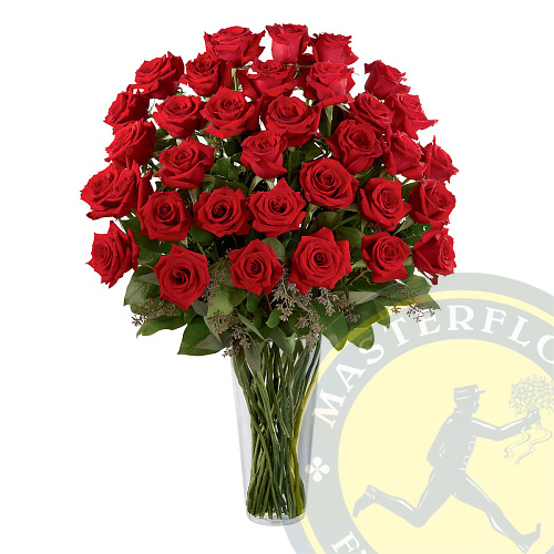 Rose rosse a stelo lungo