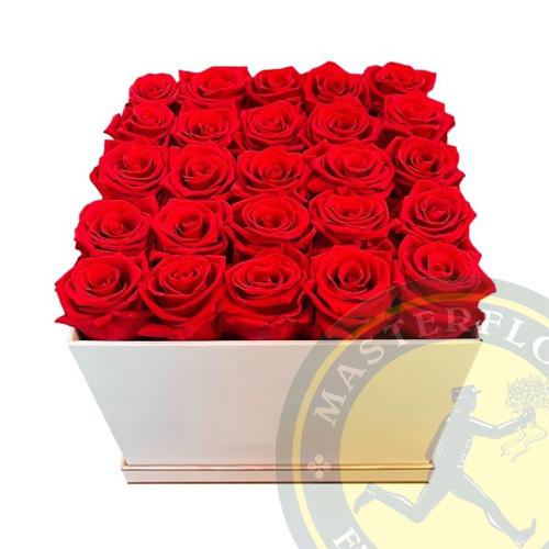 Scatola di rose rosse