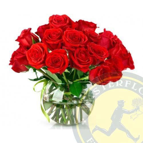 Con tanto amore (Mazzo di rose in vaso)